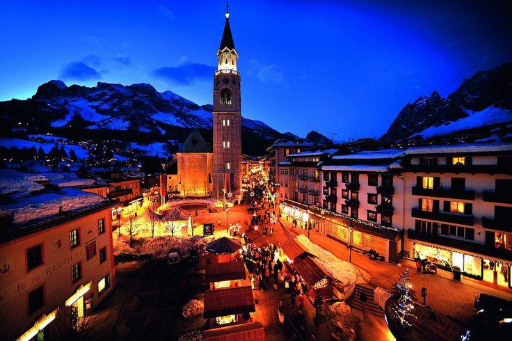 https://flic.kr/p/rxDw8j | Cortina by night