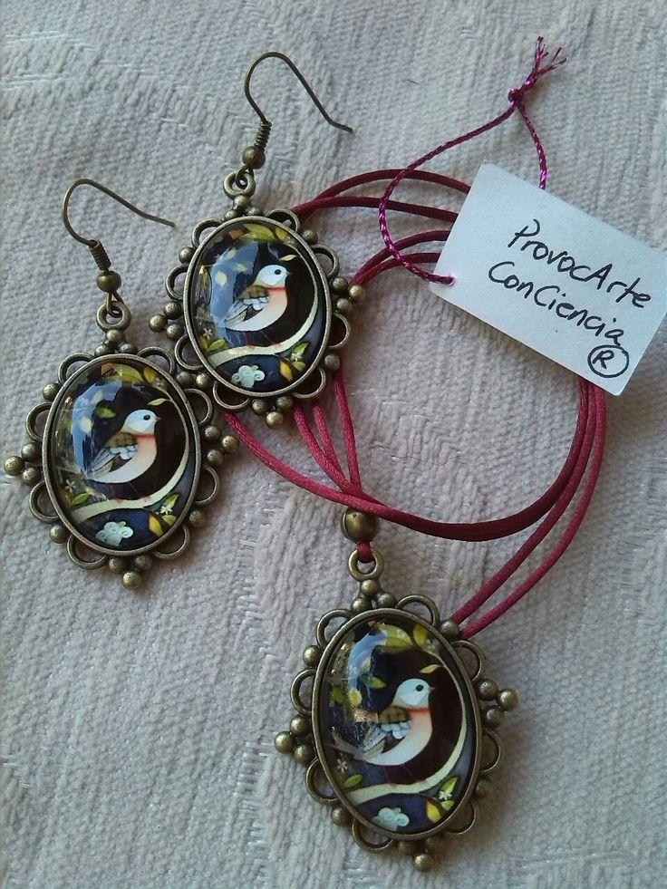 """Conjunto Pendientes+Colgante bronce """"Pájaro"""". Consultas y pedidos: provocarteconciencia@gmail.com Web: provocarteconciencia.com"""