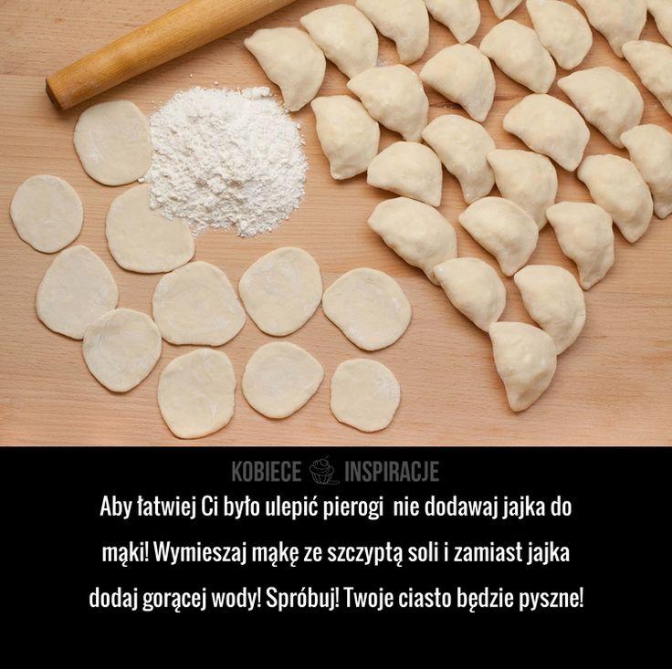 Aby łatwiej Ci było ulepić pierogi nie dodawaj jajka do mąki! Wymieszaj mąkę ze szczyptą soli i zamiast jajka dodaj ...