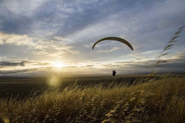 Paragliding over Lake George. Photo by Rohan Thomson.