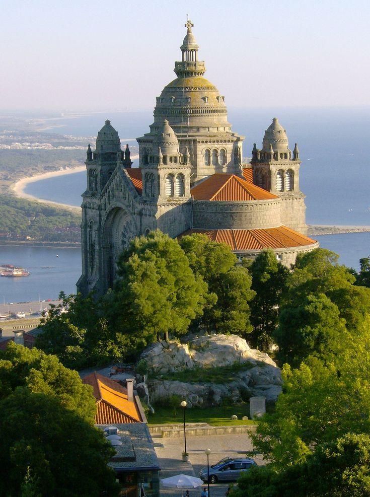 Portugal - Viana do Castelo - Basilica de Santa Luiza. / St. Luzia's Basilica at Viana do Castelo.