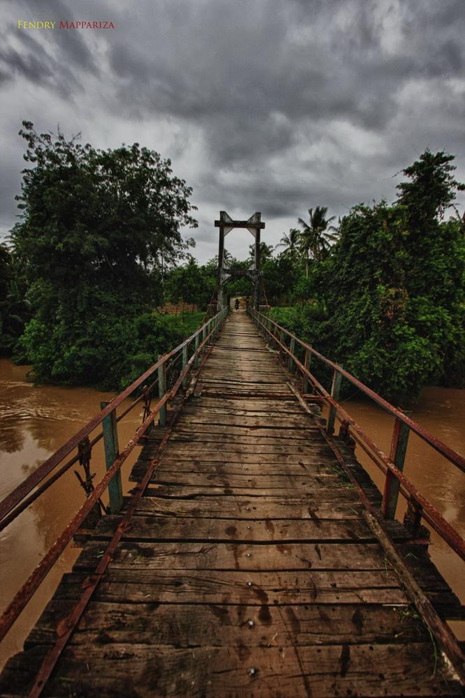 jembatan gantung riwayatmu kini