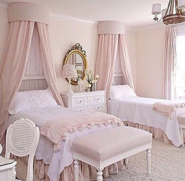 Haus, Hellrosa Schlafzimmer, Französische Schlafzimmer, Zuhause Dekoration,  Kinderzimmer, Schlafzimmerdesign, Schlafzimmer Ideen, Vordach, Bettwäsche