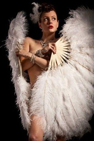 https://i.pinimg.com/736x/04/76/6a/04766aee96d3b8827e9b5203a6524111--burlesque-photography-dancers.jpg