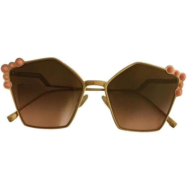 Pre-owned Fendi Oversized Sunglasses (€335) ❤ liked on Polyvore featuring accessories, eyewear, sunglasses, brown, fendi glasses, gradient lens sunglasses, brown oversized sunglasses, over sized sunglasses and brown sunglasses