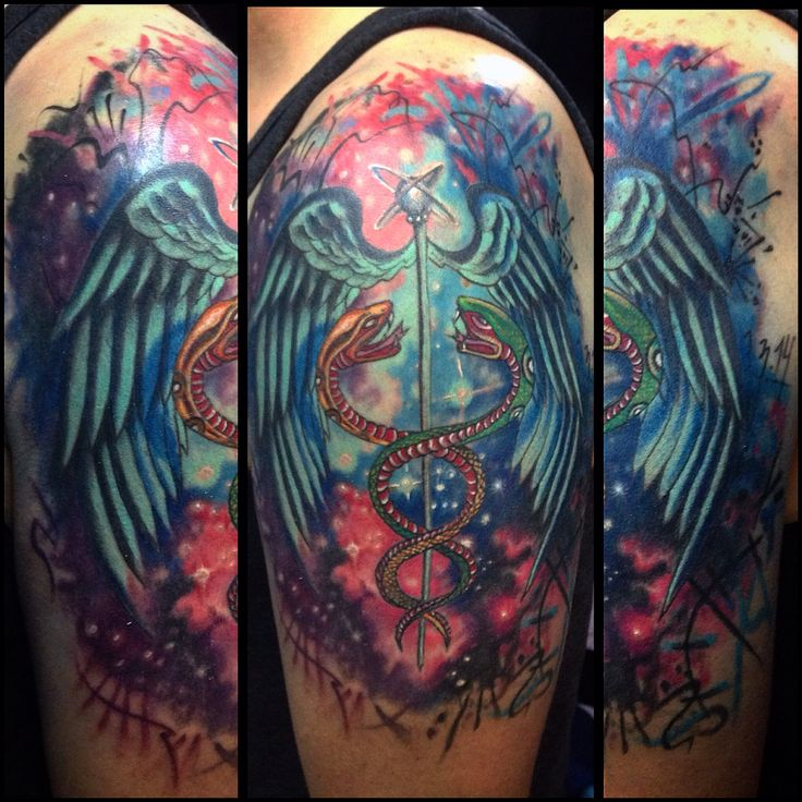 #color #tattoo #caduceo #galaxia #universo #multiverso #pinceltattoo