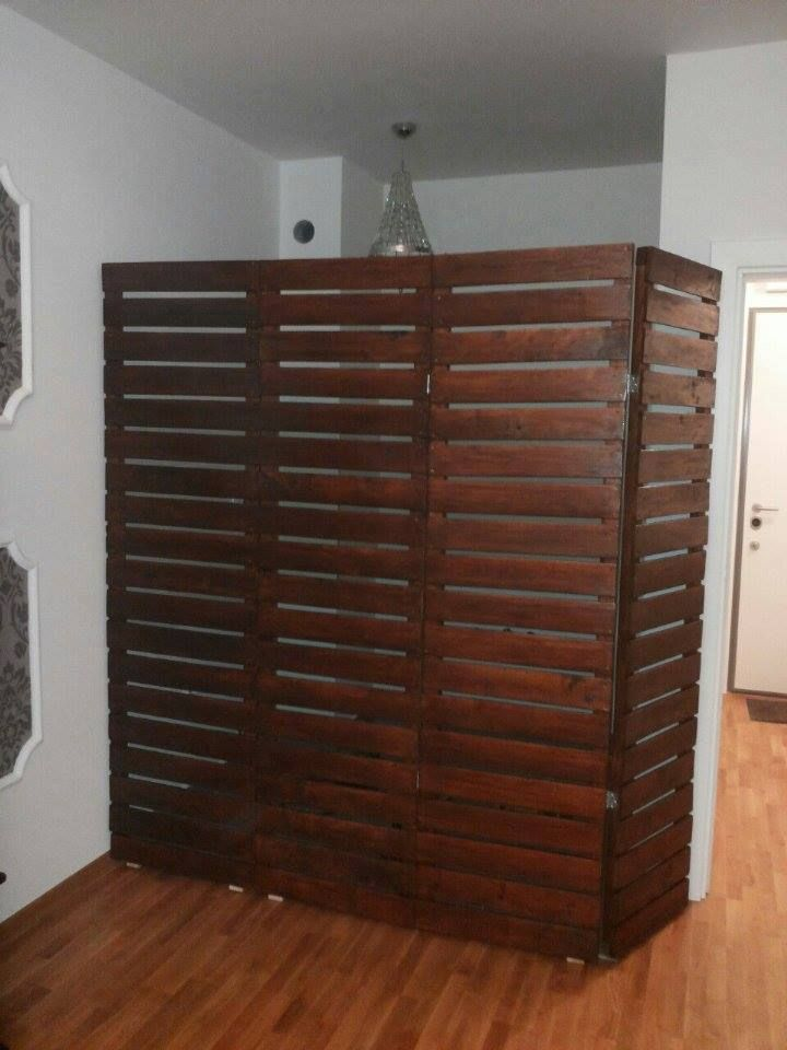 Pallets Room Divider | 99 Pallets.   My own version of this would be to add a small ledge at the bottom to stabilize it and add small shelves on the outside and shear curtains to the inside also vining plants to the front                    note to self... Alfie