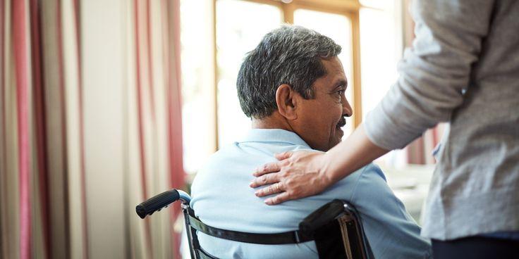 Menschen mit Behinderung sehen sich immer wieder mit Diskriminierung konfrontiert So fehlt es am Arbeitsplatz etwa an Rampen und Hinweisschildern in Blindenschrift Das macht der neue Diskriminierung