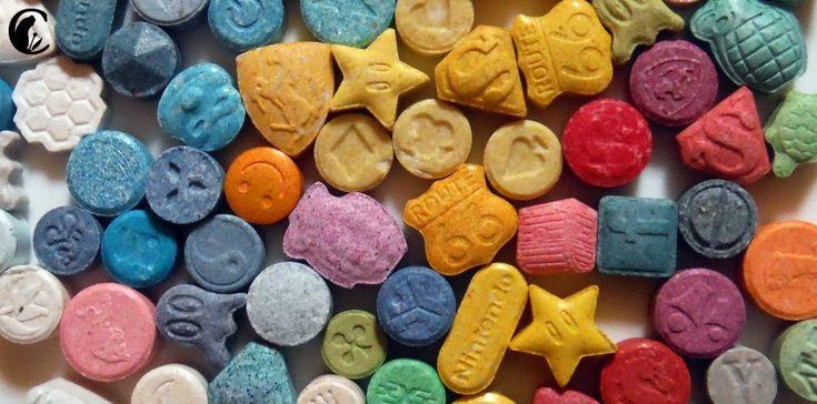 El éxtasis (MDMA) es una droga ilegal que viene en forma de pastilla o inyección. Se consume por vía oral, y sus efectos duran de 3 a 6 horas. Produce sensaciones de estimulación mental, euforia, calor emocional, bienestar y disminución de la ansiedad. Sobre la salud puede producir náuseas, mareos, visión borrosa, hipertensión, fallos cardíacos y renales, arritmia... Esta se suele consumir por adultos, jóvenes y adolescentes que la toman en los clubes nocturnos, fiestas y discotecas.