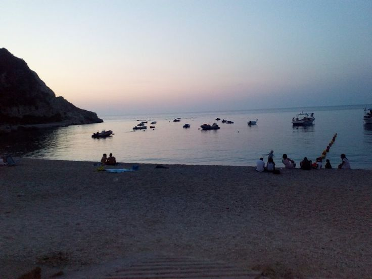Twilight in Aghios Nikitas #lefkadaslowguide #lefkadazin #lefkada #lefkas #sunset #sea #beach #summer 3beauty