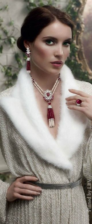 https://www.bkgjewelry.com/ruby-rings/265-18k-yellow-gold-diamond-ruby-solitaire-ring.html Graff ♥✤Diamonds