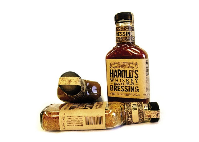 aged look; appearance of whiskey bottle