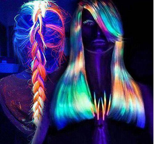 FLUORESKUJÚCI STYLING NA VLASY ---> http://pozri.link/styling  Chystáte sa na párty a chcete zaujať? S týmto fluoreskujúcim stylingom na vlasy z AliExpress sa vám to isto podarí. Svieti rôznymi farbami pod UV svetlom a z vašich vlasov vytvorí super účes.  Čo na to hovoríte priatelia, chceli by ste niečo podobné na párty aj vy?  Pozri čo som našiel na Aliexpress #thanksaliexpress #Pozri_čo_som_našiel_na_Aliexpress #FLUORESKUJÚČI_STYLING_NA_VLASY #hair #cream_color_wax #5d_fluorescent_hair_wax