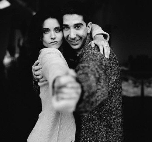 """Courtney Cox + David Schwimmer a.k.a Ross and Monica Geller doing the """"routine"""""""