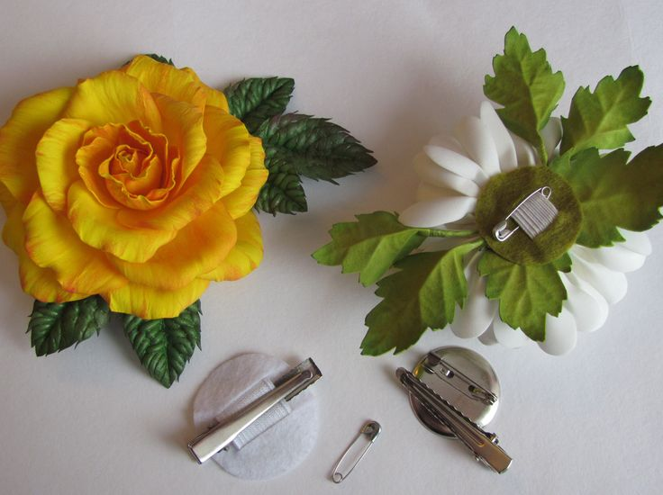 Как сделать универсальное крепление для цветов из фоамирана или ткани. Больше…