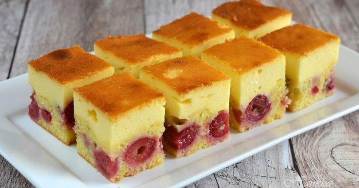 Hozzávalók kb. 20 x 32 cm-es tepsihez:  a tésztához:    20 dkg vaj  20 dkg cukor  1 teáskanál vaníliás cukor  1 csipet só  4 tojás  30 dk...