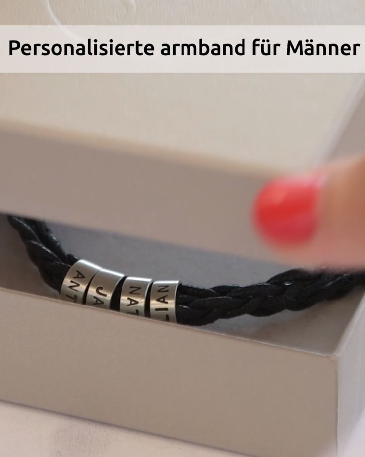 Herrenarmband mit Gravur auf kleinen personalisierten Beads in Silber