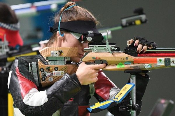 Russia's Daria Vdovina competes in the women's 10m air rifle shooting final at the Rio 2016 Olympic Games at the Olympic Shooting Centre in Rio de Janeiro on August 6, 2016. / AFP / Pascal GUYOT
