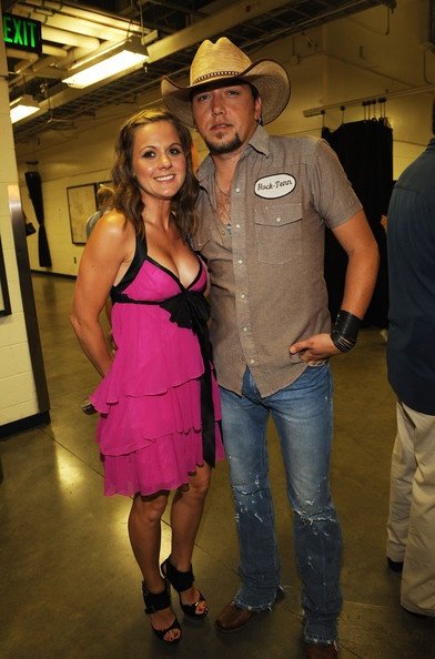 Jason Aldean and Jessica Aldean Photo - 2009 CMT Music Awards - Backstage And Audience