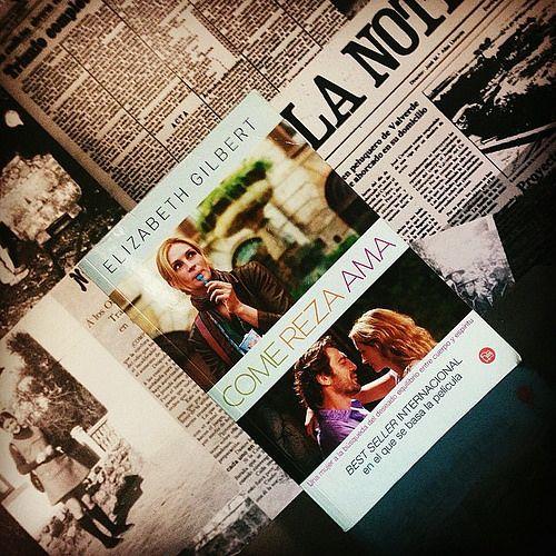 """#reto365 124/365 """"Entre Letras y Letras"""" #libro #comerezaama #elizaberhgilbert #entreletras #entrelibros #come #reza #ama #amoleer #iloveread #lectura #libros #bookslover #bestseller #juliaroberts #javierbardem #jamesfranco"""