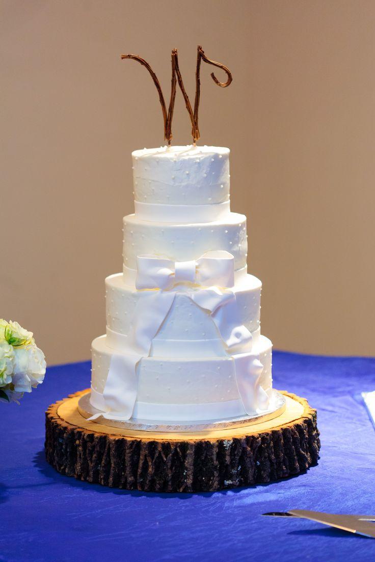 Beautiful Northern Michigan Touches On This White Cake MichiganCakesBeautifulWedding Ideas