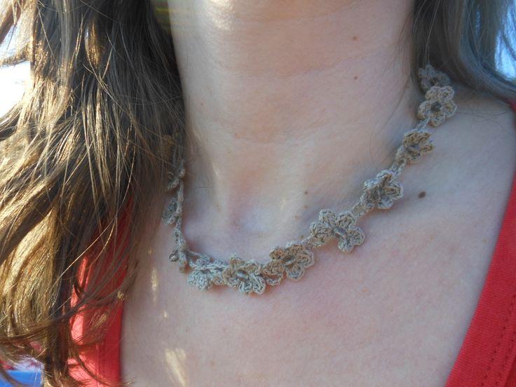 crochet necklace crystal beads / κολιε βελονάκι με κρυσταλάκια