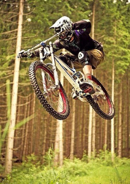 #MTB #Forest #Jump