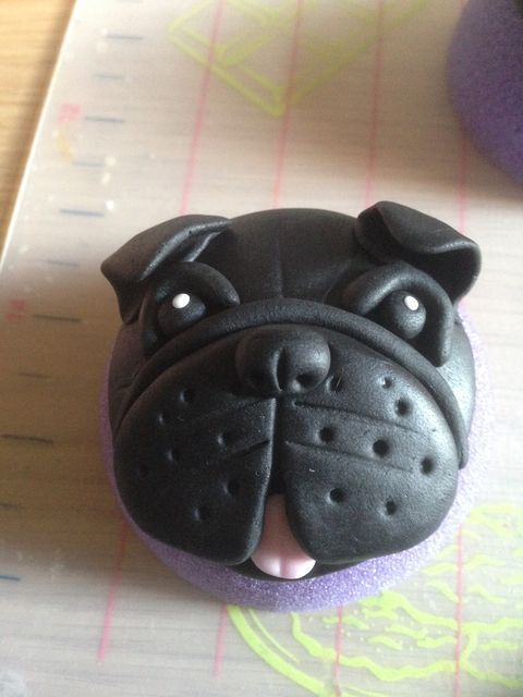 Dog cupcakes #5: Pug cupcake picture tutorial - by For the love of cake @ CakesDecor.com - cake decorating website