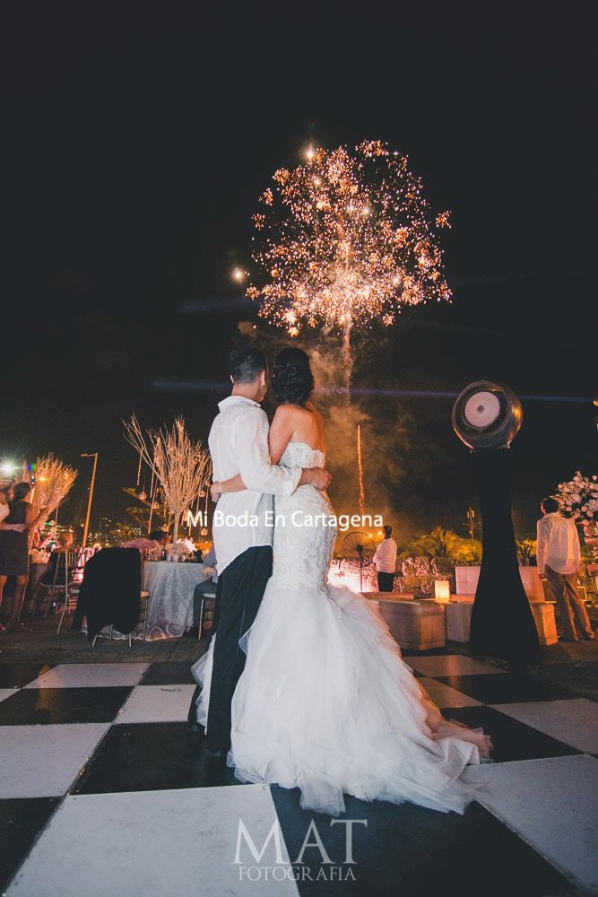 Mi Boda En Cartagena Diana Y Kabir These Fireworks Were Wedding Fireworkscartagena Colombiaoctober Weddingwedding Plannersdestination
