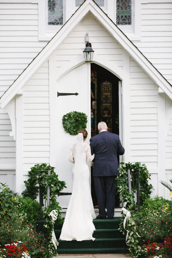 little white wedding chapel | The Willetts