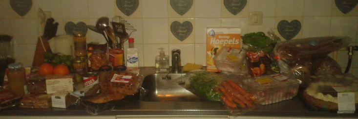 De 'voedselbankmaffia': vrijwilligers stelen uit voedselpakketten en dreigementen