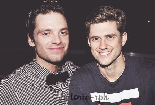 How did the stars align so perfectly that the Winter Soldier and Enjolras would be photographed together???