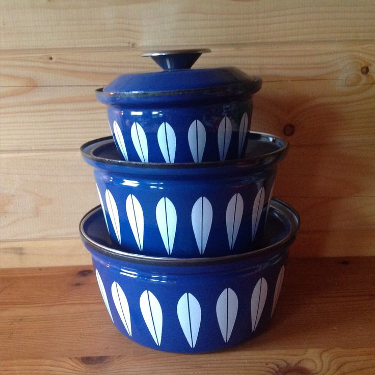 1970s Iconic Cathrineholm Lotus Blue with White Pan Set - vintage cookware - Scandinavian cookware by Onmykitchentable on Etsy https://www.etsy.com/uk/listing/260403693/1970s-iconic-cathrineholm-lotus-blue