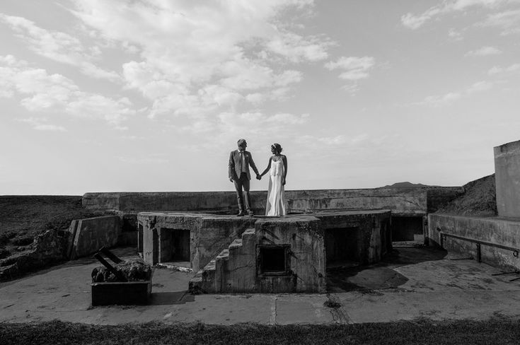 Mel & Mark | Devonport | Ruins | Hand in hand