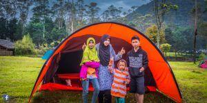 Salah satu alternatif camping ground Bandung yang dapat dinikmati untuk kegiatan-kegiatan outdoor atau berkemah bersama keluarga adalah Ranca Upas Ciwidey