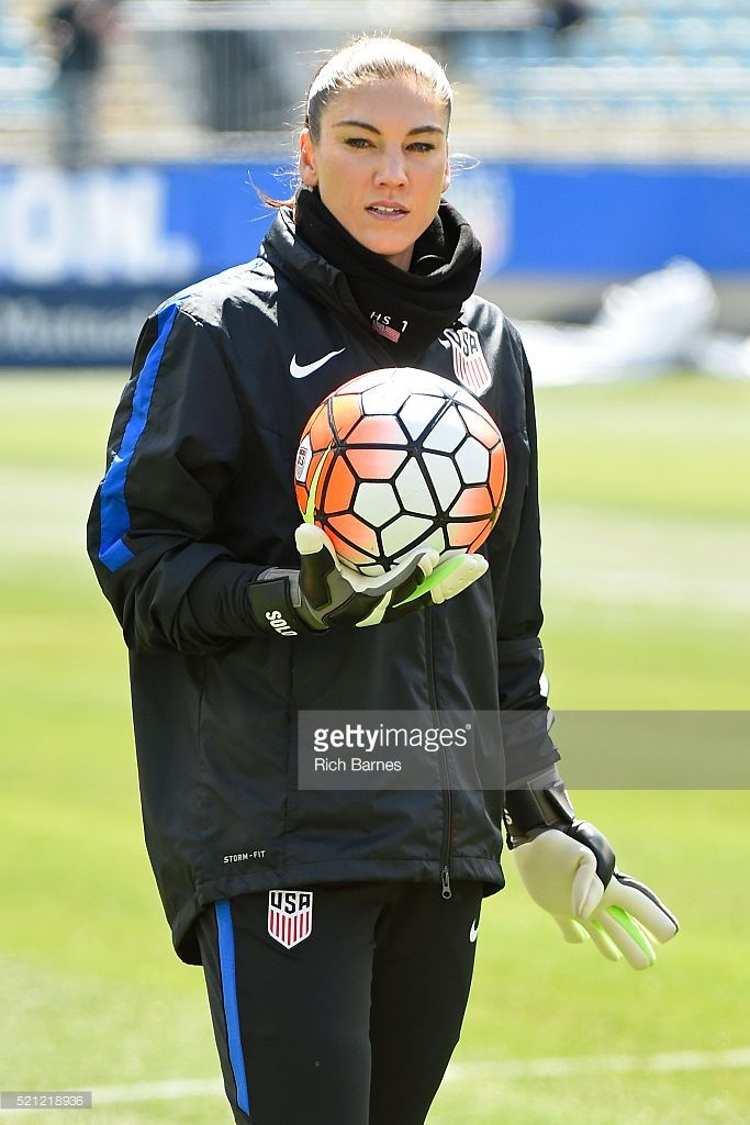 hope-solo-of-the-united-states-looks-on-prior-to-the-match-against-picture-id521218936 (683×1024)
