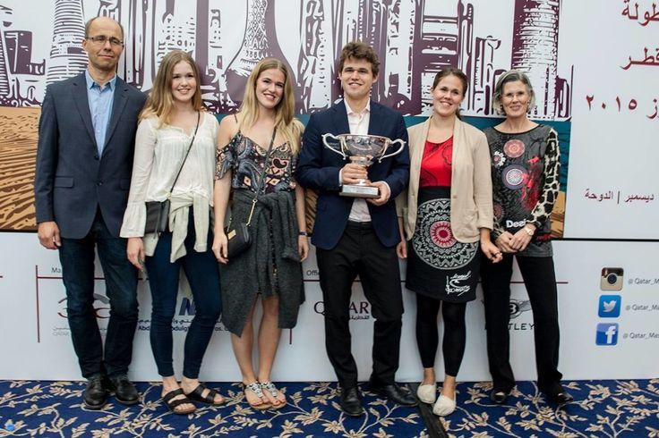 Carlsen feiret med familien i Qatar. Foto: David Llada