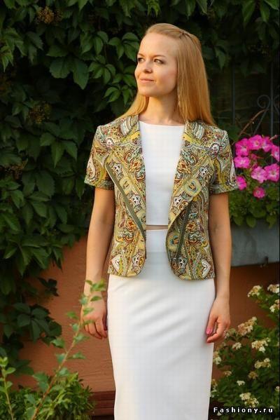 Павлопосадские узоры в коллекциях одежды