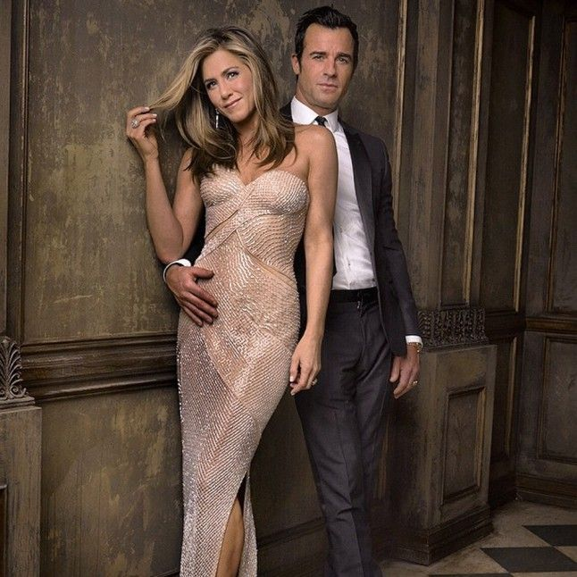Jennifer Aniston Wedding Dress Pictures: Justin Theroux And Jennifer Aniston Are Married!   Marie Claire