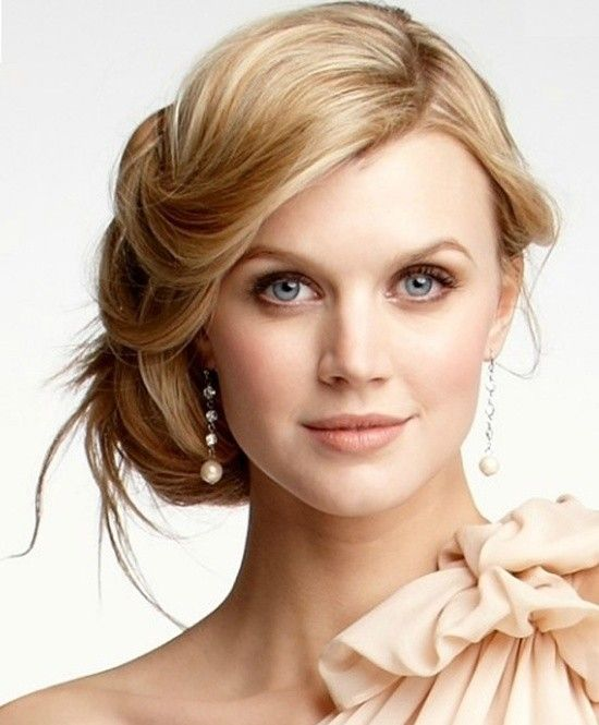 50 Dazzling & Fabulous Bridal Hairstyles for Your Wedding - http://www.pouted.com/50-dazzling-fabulous-bridal-hairstyles-wedding/