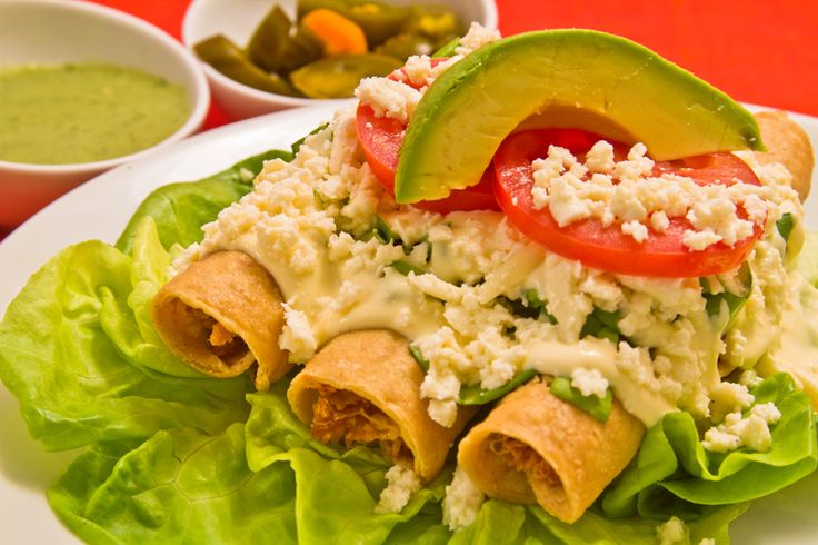 Tacos dorados de huitlacoche en HazteVegetariano.com