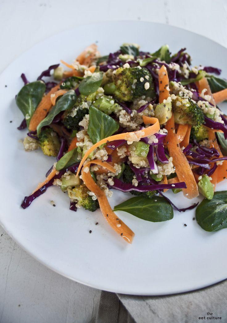 #Insalata arcobaleno: tutti i colori della natura per una #ricetta #vegan, sana, #detox e, soprattutto, buona! Un pieno di energia assicurato. #eatculture #ilpiattointavola