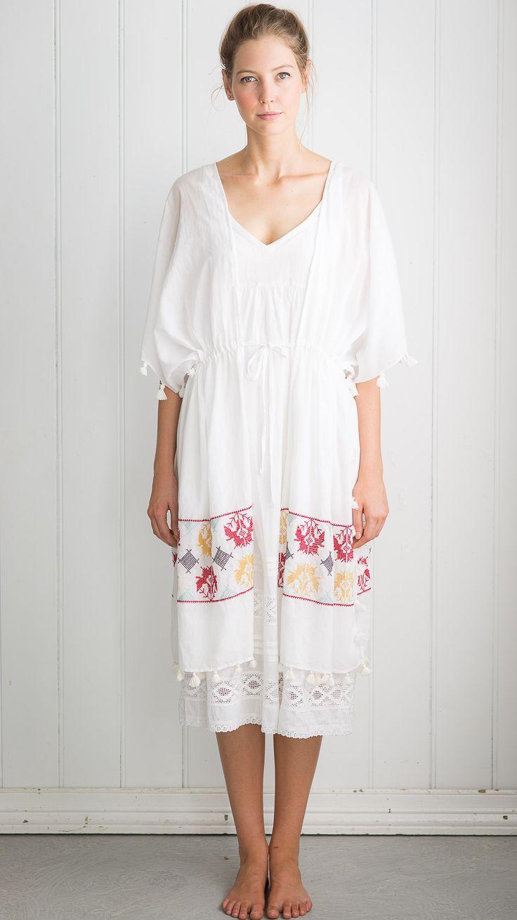 Embroidered Kimono in White