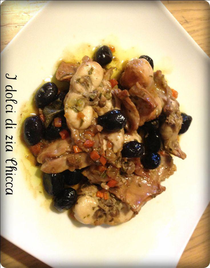 Coniglio alla cacciatora ricetta semplice della tradizione ligure, ottima per le serate invernali sia per i grandi che per i piccoli.