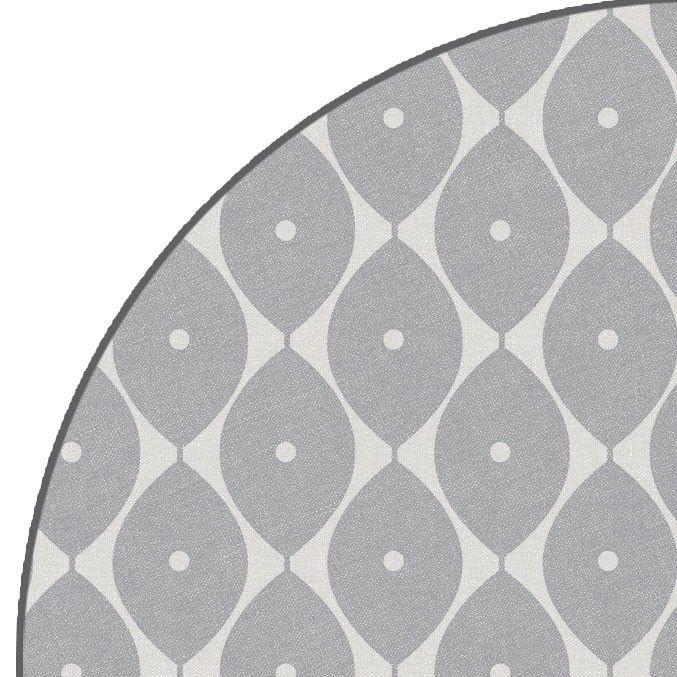 Rond+tafelzeil+Malé+Effects+Grijs+-+Rond+tafelzeil+malé+grijs+afgewerkt+met+bies.+Het+tafelzeil+is+speciaal+door+zijn+mat+afwerking+met+licht+voelbaar+reliëf.+Het+ronde+tafelkleed+heeft+een+doorsnee+van+160cm.+Makkelijk+schoon+te+houden+met+vochtige+doek.+