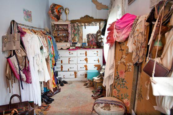 Closet case foley corinna designer anna corinna for Walk in closet india