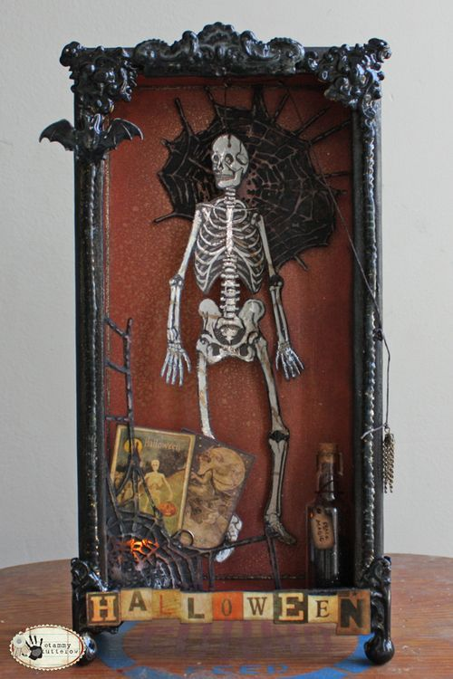 Tammy Tutterow- Shadow box instructions and supplies.Altered Boxes, Shadowbox, Halloween Shadows Boxes, Halloween Boxes, Altered Art, Halloween Diy, Tammy Tutterow, Halloween Ideas, Halloween Art