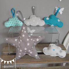 Dispo - 5 décorations nuages et étoile à suspendre - gris et turquoise