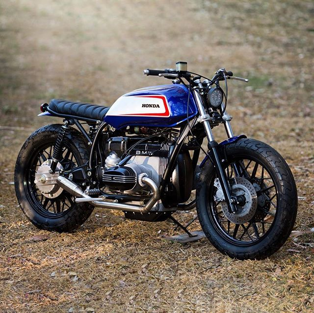 Sweet baby Jesus. Loving the simple pop of colour paired with subtle details on @wolfmoto.cc's BMW R100 brat build 'Big in Japan'. #dropmoto #builtnotbought #bmw #boxer #r100 #brat #bratstyle #brattracker #vintagemotorcycle