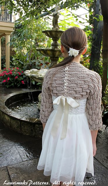 Ravelry: Feather lace shrug pattern by Laura Dovile